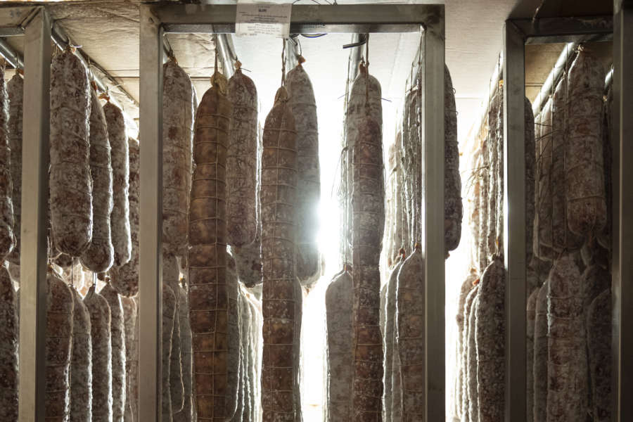 Piacenza - salame gentile appeso